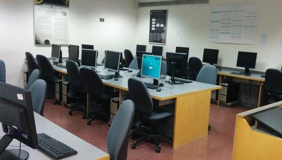 חדר מחשבים- עבודה סוציאלית